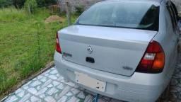 Renault Clio 2001, 1.6 Sedan vendo ou troco por hatch