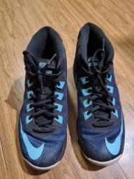 Tênis Nike cano alto tamanho 38