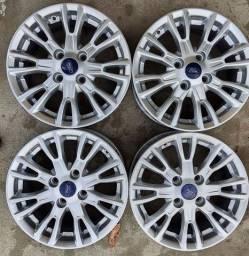 Rodas Ford aro 15+4 pneus semi novos !!(2.250$ até 10x sem juros no cartão)