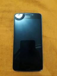 Motorola E4 em bom estado