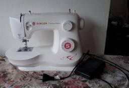 Título do anúncio: Máquina de costura Singer Fashin Mate