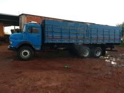 caminhão MB 2216