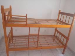 Vendo lindo  beliche de madeira torneada e sofá cama