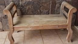 Vendo banco em madeira de demolição