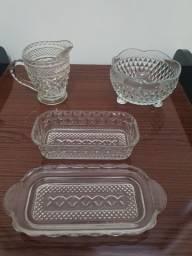 Conjunto de 3 peças em Vidro - Caneca; Pote e Manteigueira