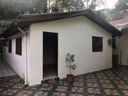 Aluga-se casa bairro Vista Alegre