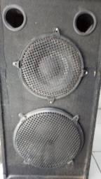 Caixa de som plana.com um auto falante .de 12,é um de 15 polegadas.