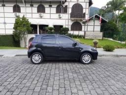 Lindo Toyota Etios XLS 1.5 16v VVT Manual