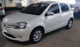 Toyota Etios HB X 1.3 completo