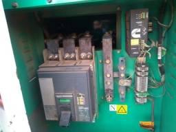 vende se gerador de energia de Cummins de 260Kva ano 2012 carenado R$ 75.000,00
