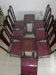 Mesa com tampo de vidro 8 cadeiras em madeira laqueada