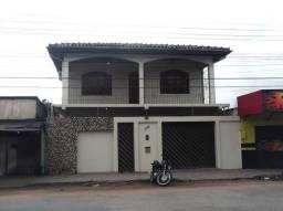 Aluga-se casa no Bairro do Pacoval com 03 quartos e 1 suíte