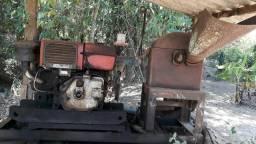 Motor a disel com triturado e bomba d'água