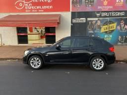 BMW X1 2.0 SDRIVE 18i preta interior caramelo com DVD - 2011