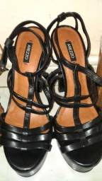 Sandálias Arezzo novas!!!
