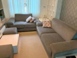 Vendo sofá 2 e 3 lugares + 2 puffs