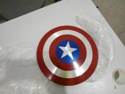 Vendo ou troco Escudo do Cap america