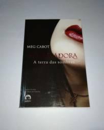 Livros a terra das sombras, o arcano nove./ coleção a mediadora Meg cabot