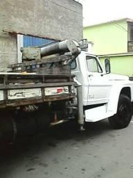 Caminhão for ano 81 com Muk para 5 toneladas