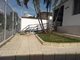 Casa para alugar com 3 dormitórios em Setor dos funcionários, Goiânia cod:34938