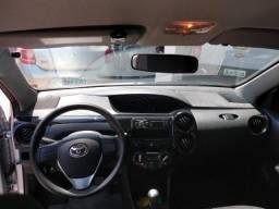 Toyota Etios 2016 - SemiNovo - 2016