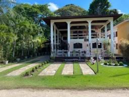 LM vende linda casa no Clube de Campo Alvorada com 4 quartos sendo 2 suítes apenas 650.000