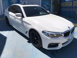 BMW 530i 2018 - com Teto solar e 30 mil Km