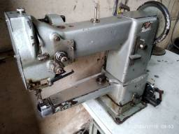 Máquina de costura Adler