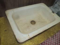 Cuba antiga cozinha /lavatorio /ferro fundido /uso /decoraçao /restauraçao