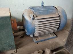 Motor trifásico 7.5 CV.. Weg