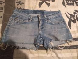 Título do anúncio: Shorts Tamanho 40