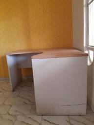 Mesa p/ escritório  ou residência