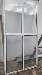 Vendo janela vidro inteira de correr
