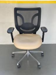 Cadeira Ergotek couro e Tela Escritório Home Office Giratória