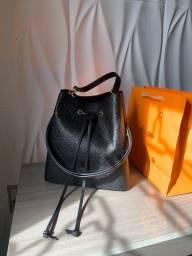 Bolsa Louis Vuitton neo Noé