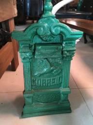 Caixa de Correios antig de ferro fundido