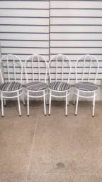 Cadeiras avulsas Novas Assento redondo  Liquidação R$ 75,00 cada