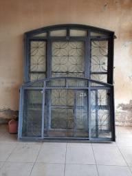 Título do anúncio: Vendo porta de ferro e janela