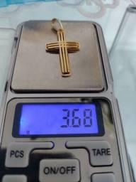 Pigente em ouro crucifixo 3.68 gramas