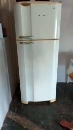 Título do anúncio: Vende-se essa geladeira