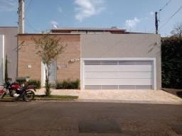 Título do anúncio: Casa com 3 dormitórios à venda, 350 m² por R$ 1.100.000,00 - Jardim Parati - Marília/SP