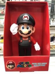 Super Mario com Macacão Preto
