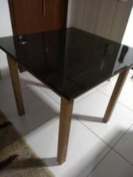 Mesa 4 lugares c/ tampo de vidro