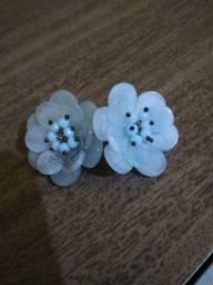 Brinco de flores