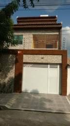 Alugo uma casa de 3 andares em Sobral
