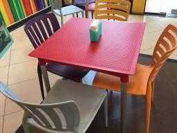 16- cadeiras tramontina colorida sofia com encosto + 04- mesa tramontina diana/ vermelho