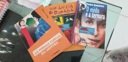 Livros super conservados 6 ano da Escola João Paulo