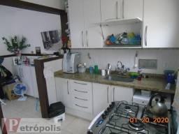 Vendo Linda Casa em Condominio: Reformada com 3 Qtos : Ótimo Bairro em Petrópolis