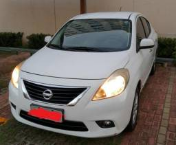 Nissan Versa 1.6 SL 16v Flex 4p Manual - 2012/2013 - R$ 25.000,00 - 2013