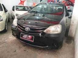 Toyota Etios 2013 1 mil de entrada Aércio Veículos d - 2013